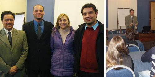 Na foto, a equipe da Linea: Anderson, Beatriz e Jairson, com o palestrante Paulo Sérgio Syritiuk, que ministrou o curso.